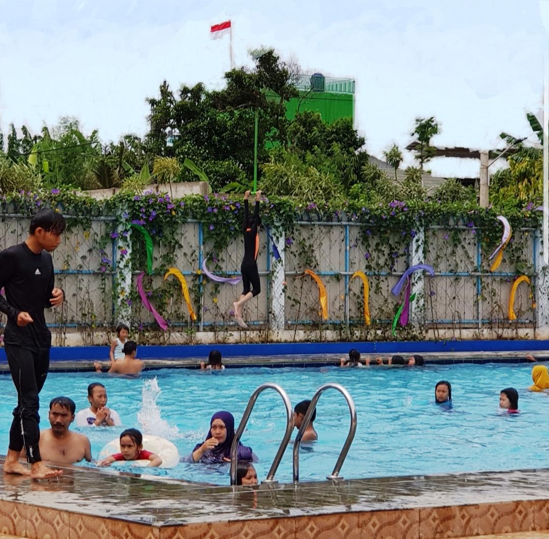 Dibuka untuk umum ARYANA AQUAPLAY kolam renang waaterpark di perumahan ARYANA KARAWACI jalan Raya Diklat Pemda Tangerang 15810.